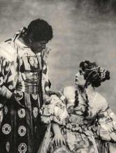 Leonid Leonidov as Othello and Alla Tarasova as Desdemona