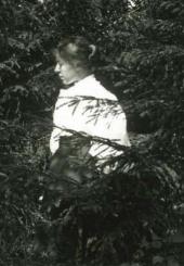 Maria Yakunchikova-Weber. An amateur photo taken by Leon Weber [1897-1898]
