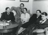Chaim Soutine and Chana Orloff in Orloff's apartment