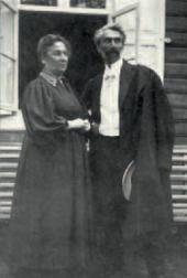 Leonid Pasternak with his sister Anna Freidenberg.