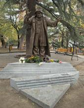 Monument to the actor Ramaz Chkhikvadze. 2013