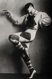 Mikhail Fokine as Harlequin