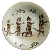 PLATE WITH WALKING CATS. IBSEN KEPT IT ON HIS WRITING DESK WHEN IN BERGEN