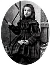 Zoya Pokhitonova, the artist's daughter. Photo. 1900