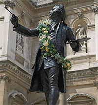 Old, New and Now. LONDON'S ROYAL ACADEMY TURNS 250